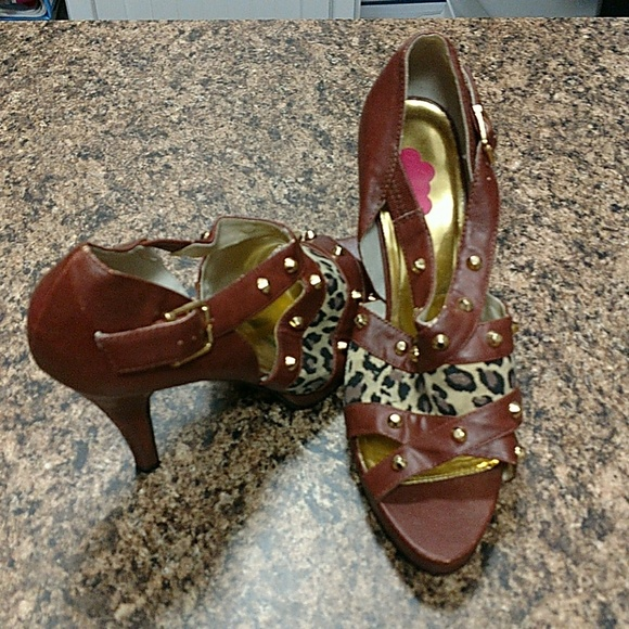 baby girl Shoes - Sale 💕💕Brown leather/gold High heels size 8