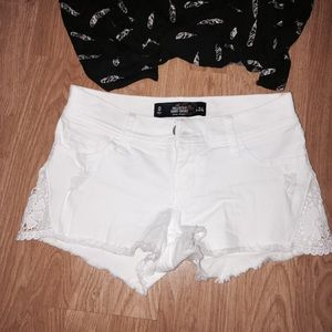 Pants - HCO crochet white shorts
