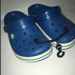 CROCS Other - Kids crocs J 2 Size 2 youth  Blue White green