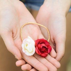 Accessories - Pretty Rose Hair Tie
