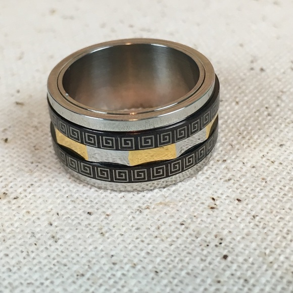 Kaki Jo's Closet Jewelry - Stainless Steel Fret Spinner Ring