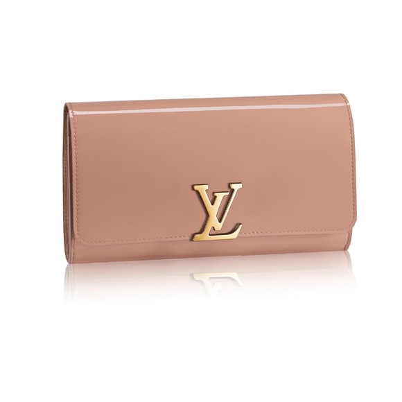 d2c9b5652fb5 Louis Vuitton Handbags - Louis Vuitton Vernis Louise EW Clutch