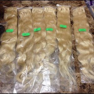 Hair Extensions Clip on (7 pieces) in a pack