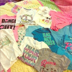 T- shirts girls. 12 pieces