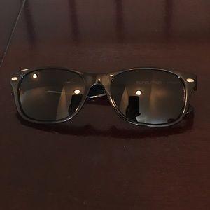c9f8e31d8d Accessories - Suncloud Jasmine (small fit) Black Sunglasses