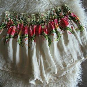 OndadeMar Pants - OndadeMar Floral Flowy Shorts