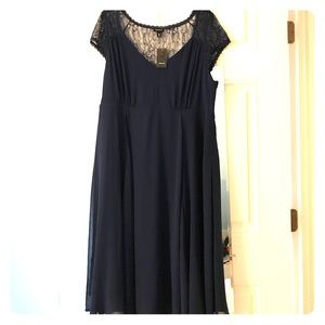 Torrid NWT size 18 navy cap sleeve dress