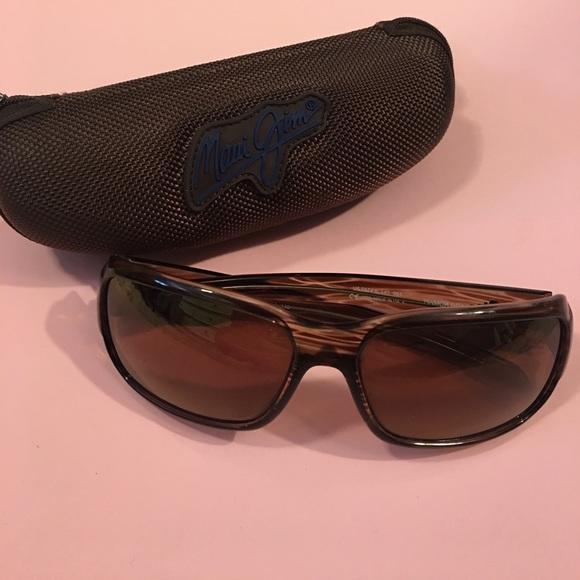 08f7f0406221 Maui Jim Accessories | Hamoa Beach Sunglasses Case | Poshmark