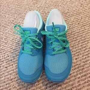 Nike Shoes - NEW Nike FREE 5.0 Running 🏃 tennis shoes Sz 6.5