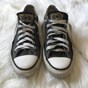 Converse Shoes - ✨BLACK AND WHITE CONVERSE✨