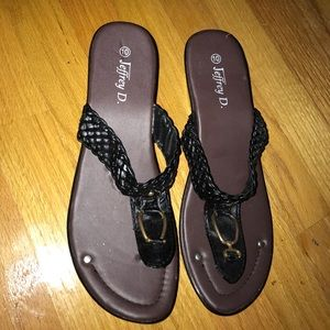 Shoes - NWOT black/brown slip on sandals