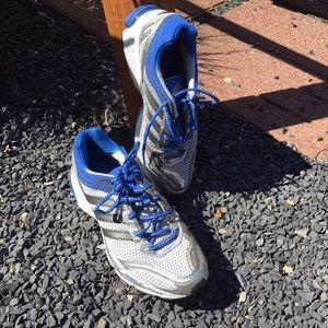 le adidas mens adiprene formazione scarpe taglia 105 poshmark