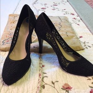 Nine West Black Lace Heels sz 7.5. M