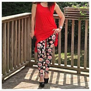 Pants - 🆕 roses print leggings