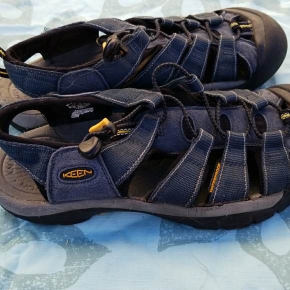 keen keen sandals size 9 s or 11 womens from melanie