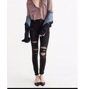 Denim - 🆕 black shredded jeans