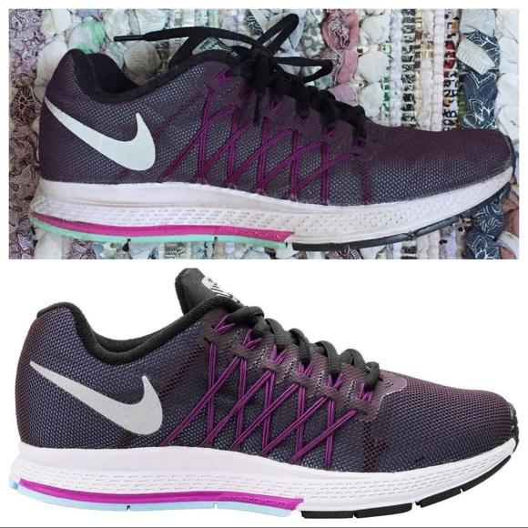 Nike Zoom Pegasus 32 • Purple Running Sneakers
