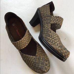 bernie mev. Shoes - EUC Bernie Mev heels