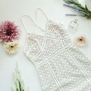 joa Dresses & Skirts - JOA midi lace dress