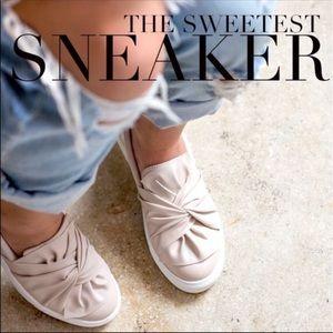 MIA Shoes | Mia Zoe Bow Slip On Sneaker