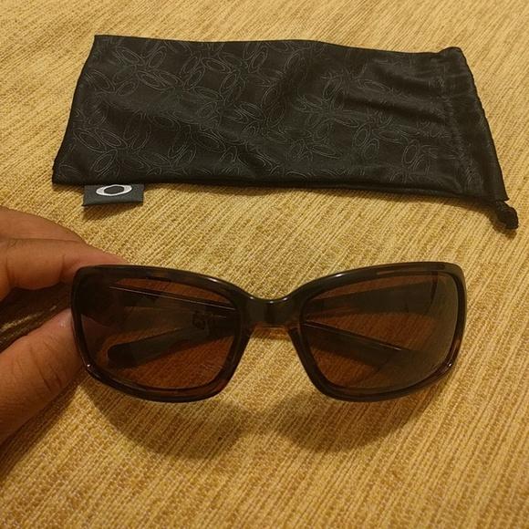 f5250f73bb7 NEW Oakley Dispute Polarized Sunglasses. M 5930c754ea3f36721600a3bc