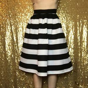Dresses & Skirts - Beautiful Skirt 😍