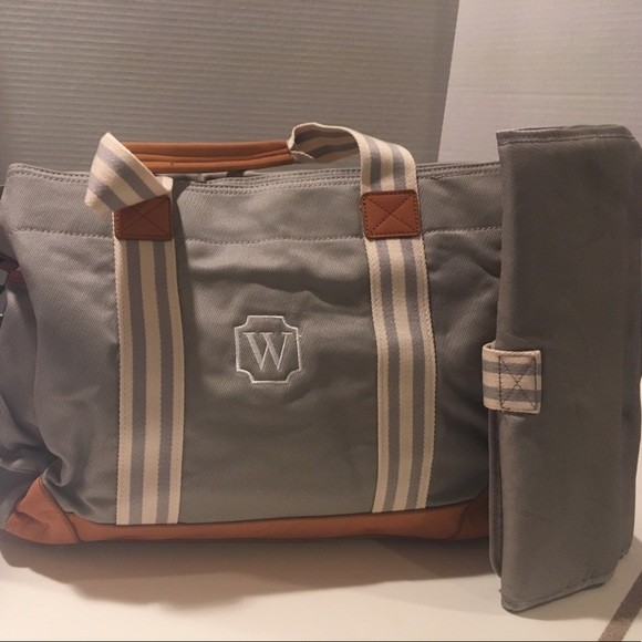 61 off pottery barn handbags new pottery barn classic diaper bag w gray leat from d5g 39 s. Black Bedroom Furniture Sets. Home Design Ideas