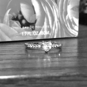 Boutique Jewelry - 💍Faux Diamond Heart Ring 💎