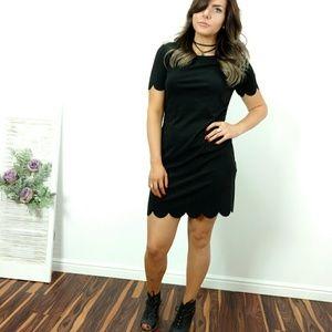Dresses & Skirts - 🆕🌿 BLACK SCALLOPED DRESS