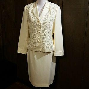 Albert Nipon Dresses & Skirts - All dressed in white Albert Nipon two piece dress