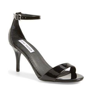 Steve Madden Shoes - Steve Madden • Sillly Patent Black Heels