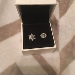 Pandora Crystalized Snowflake earrings