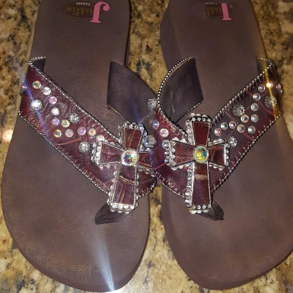 6af1995403e6d1 Justin Boots Shoes - Justin cross bligy flip flops