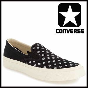 CONVERSE CANVAS SLIP ON SHOES