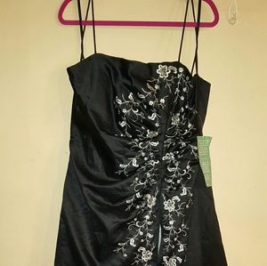 Blondie Nites Dresses & Skirts - Black and white gown brand new tags attached