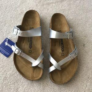 Birkenstock Shoes - Birkenstock. Mayari. Silver.