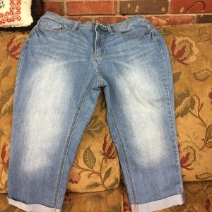 Brand new Faded Glory  size 12 Capri