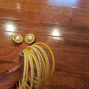 NWOT. Sunflower yellow bracelet and earring set