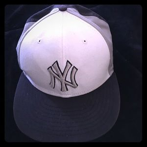 9fifty Other - ⚾️⚾️NEW YORK YANKEES Snap back baseball hat ⚾️⚾️