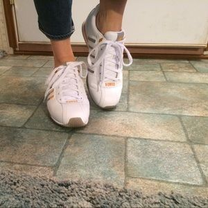 K-Swiss Leather Tennis Shoes