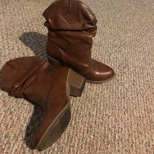 Brown Mudd cowgirl boots
