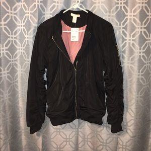 H&M Jackets & Blazers - 💥NWT💥Bomber jacket