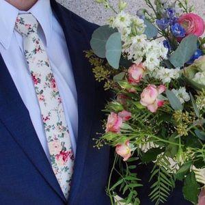 Mens vintage floral tie!