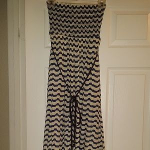 Akualani  Dresses & Skirts - Akualani Strapless Maxi Dress Size Small