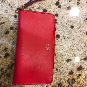 Tory Burch Handbags - Parker Zip continental wallet Tory burch