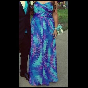 JS Boutique Dresses & Skirts - Formal Patterned Full Length Prom Dress