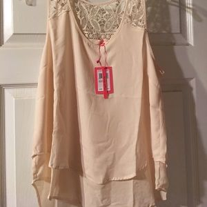English Laundry Tops - NWT English Laundry tank with back detail