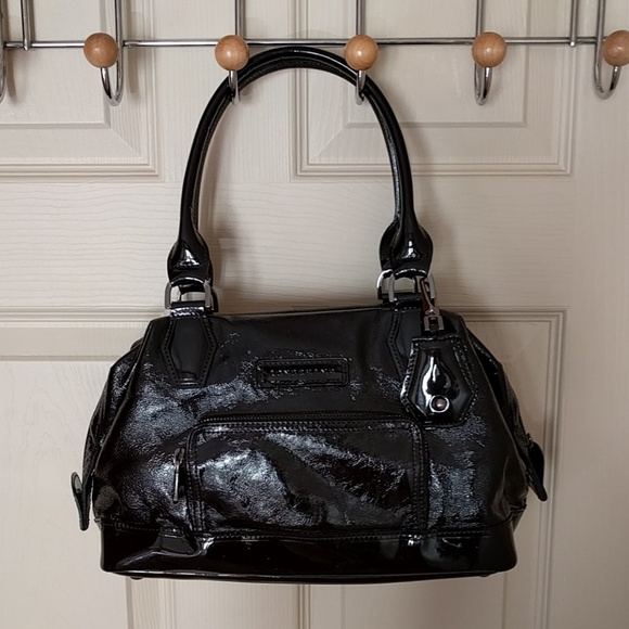 a0de76e575e6 Longchamp Handbags - Longchamp Legende Verni Small Doctor Bag