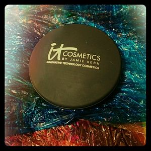 it Cosmetics Celebration Foundation in Rich