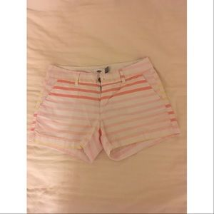 Old Navy Pants - Old Navy Color Striped Shorts🍭✨